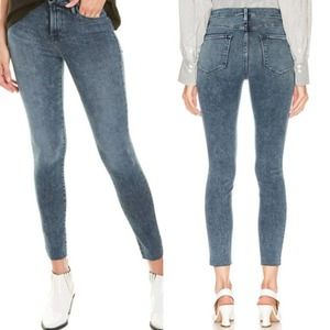 Frame Le High Skinny Jeans in Beat Wash
